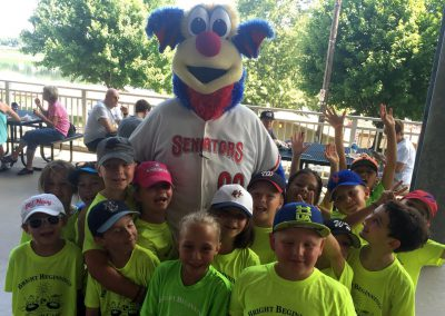 Children with Senators mascot